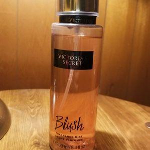 Victoria Secret Blush Fragrance Mist